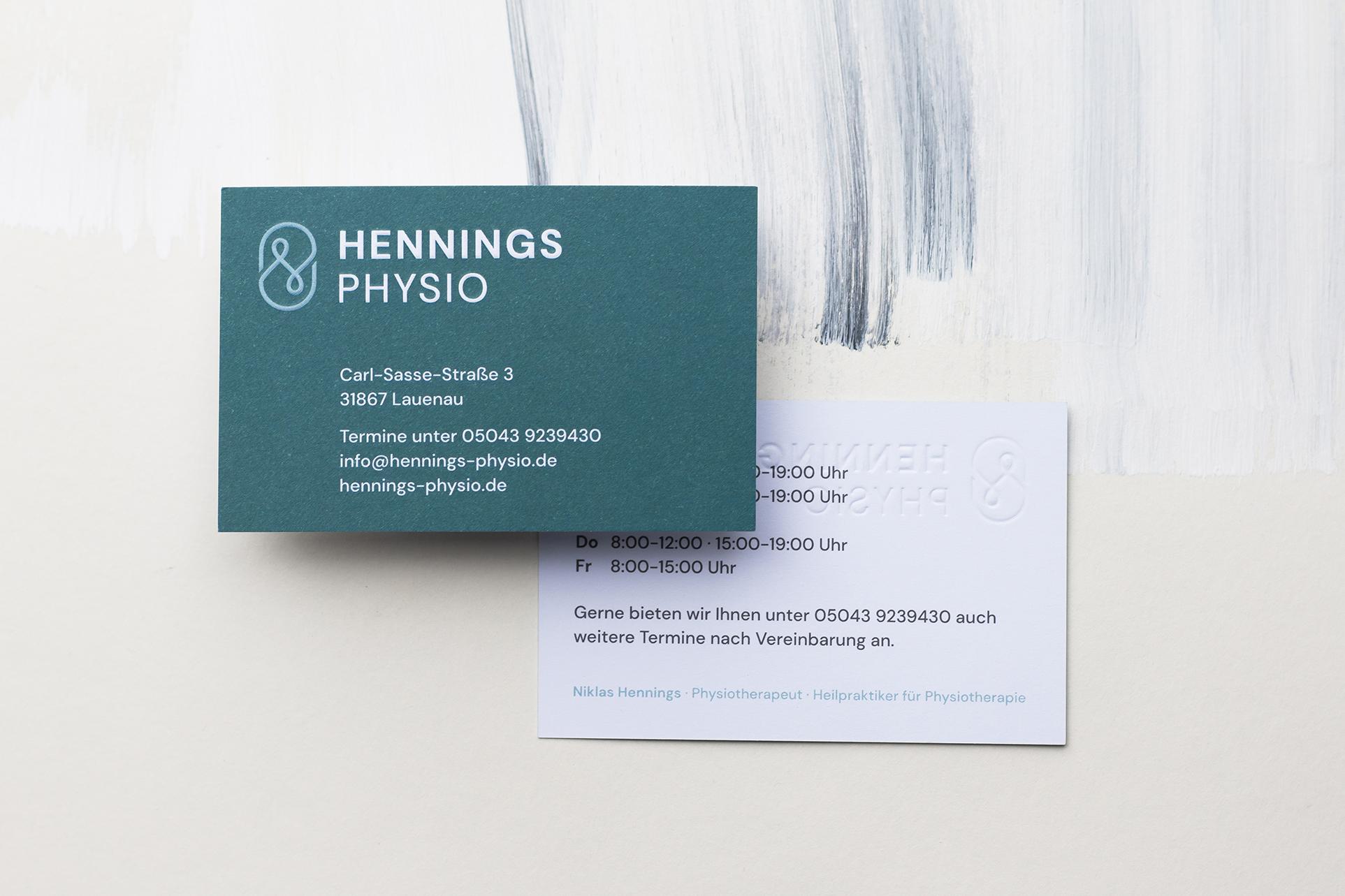 Hennings-Physio-Visitenkarte-Studio-Fondo
